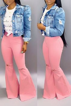 Light Pink Outfit From Bershka Dope Fashion, Pink Fashion, Denim Fashion, Fashion News, Fashion Shorts, Curvy Fashion, Sneakers Fashion, Light Pink Jeans, Blue Jeans