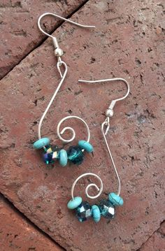 Silver Celestial Swirls with Sublime Teal, Seafoam Green Anchor Beads, Etheral Earrings – DIY jewelry Wire Jewelry Designs, Jewelry Patterns, Metal Jewelry, Jewlery, Jewelry Rings, Beaded Earrings, Earrings Handmade, Beaded Jewelry, Green Earrings