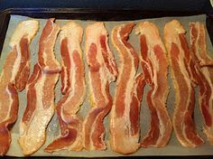 Perfect, Easy, and Mess-free Bacon - I love cooking bacon in the oven! Works amazing every time! Breakfast Time, Breakfast Recipes, Brunch Recipes, Breakfast Ideas, Bacon In The Oven, Oven Bacon, Bacon Bacon, Turkey Bacon, Good Food