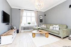 podłoga z drewna w salonie