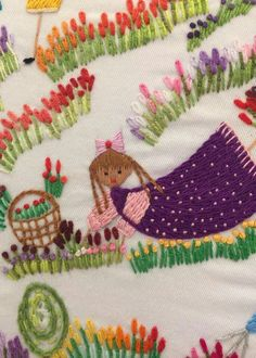 Hand Embroidery Projects, Embroidery Designs, Textile Patterns, Textile Art, Simple Embroidery, Fabric Manipulation, Crochet Stitches, Needlework, Diy And Crafts