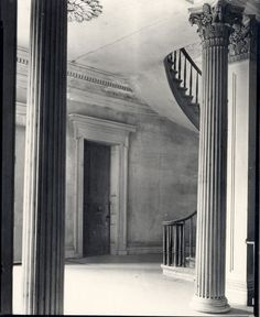 Belle Grove stair hall
