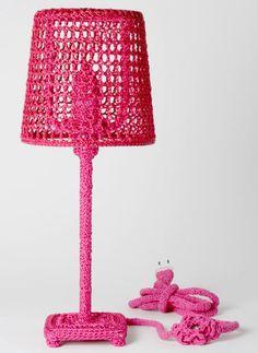 Icônes du Design brodés par Loredana Bonora