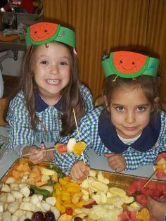 Preschool Food Crafts, Kindergarten Crafts, Craft Activities, Vegetable Costumes, November Thanksgiving, Diy And Crafts, Crafts For Kids, Food N, Spring Crafts