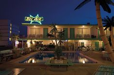 New Jersey's Deserted Mid-Century Motels, by Night