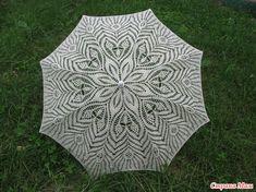 Вот решила похвастаться) Настрадалась я с этим творением, но результат меня порадовал) Сложности были я и с самим полотном, а крепление - это ужас просто) Не думала, что это может быть настолько Lace Knitting, Crochet Lace, Lace Parasol, Pineapple Crochet, Umbrellas Parasols, Doilies, Crochet Projects, Tatting, Mandala