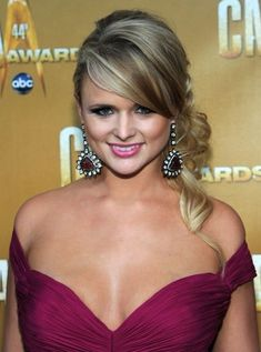 Miranda Lambert Bra Size, Measurements, Height and Weight Miranda Lambert Bikini, Miranda Lambert Photos, Country Female Singers, Country Music Singers, Maranda Lambert, Miranda Blake, Country Music Awards, Lady Antebellum, Thing 1