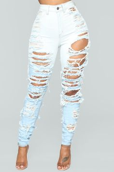 Fashion Nova has the best selection of women's high waisted jeans online. From high waisted flare jeans to high waisted skinny jeans and distressed denim to boyfriend high rise jeans, you'll find it all here. Girls Ripped Jeans, Loose Jeans, Ripped Skinny Jeans, Skinny Fit, Cheap Ripped Jeans, Heels Outfits, Jean Outfits, Gym Wear For Women, Pants For Women