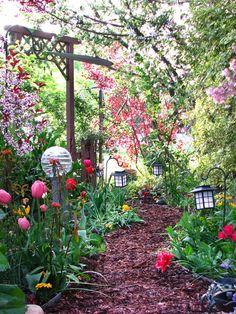 Garden-Path-026.jpg