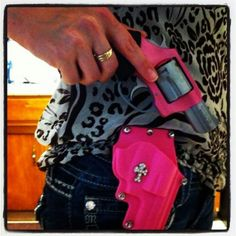 Pink Gun & Holster...Now, this is a girl's kind of gun & holster!