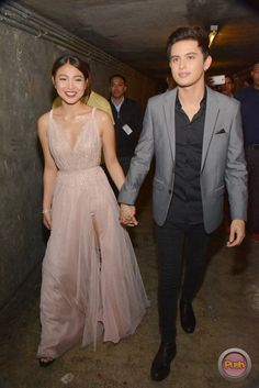 - James Reid and Nadine Lustre at the jam-packed… Nadine Lustre Fashion, Debut Ideas, James Reid, Filipina, Celebs, Celebrities, Just Married, Woman Crush, Girl Crushes