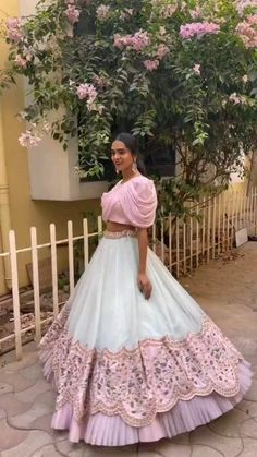 Indian Wedding Gowns, Party Wear Indian Dresses, Designer Party Wear Dresses, Indian Gowns Dresses, Indian Bridal Outfits, Dress Indian Style, Indian Fashion Dresses, Indian Designer Outfits, Fancy Dress Design