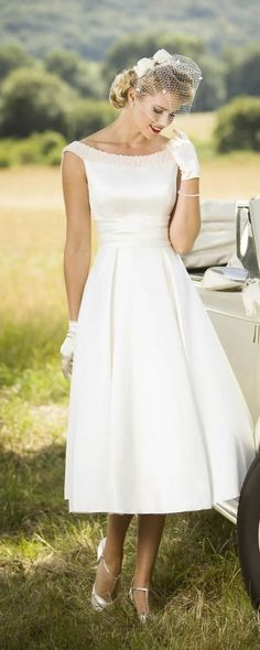 197615cb974 45 Amazing Short Wedding Dress For Vow Renewal