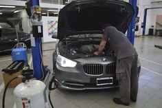 Pedí tu turno, traé tu #BMW y una hora volvé a disfrutar de el! Servicio de Mantenimiento Express en AutoFerro