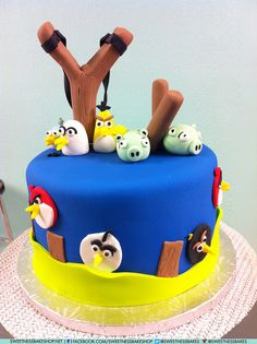 Angry Birds Cake by SweetnessBakeshop Fancy Cakes, Cute Cakes, Fondant Cakes, Cupcake Cakes, Bolo Angry Birds, Bird Cakes, Different Cakes, Occasion Cakes, Love Cake