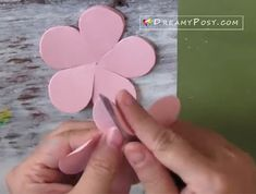 How to make a paper rose? This rose tutorial with step by step video and the free template will help you DIY paper rose easily. Paper Flower Patterns, Paper Flowers Craft, Flower Crafts, Diy Flowers, Fabric Flowers, Flower Ideas, Rose Tutorial, Paper Flower Tutorial, Diy Paper