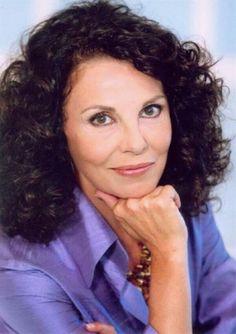 Μπέτυ Λιβανού ΗΜπέτυ Λιβανούγεννήθηκε στις 9 Ιανουαρίου 1951 και σπούδασε υποκριτική στοΘέατρο ΤέχνηςΚάρολου Κουν. Έχει συμμετάσχει σε πολλές ελληνικές ταινίες, τηλεοπτικές σειρές και θεατρικές παραστάσεις. Το 2010 δημιούργησε τη θεατρική ομάδα Π� Yul Brynner, Dwayne Johnson, Actors & Actresses, Greece, Cinema, Celebrities, Mads Mikkelsen, People, Movies