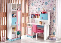 FIYONA Çalışma Grubu ideal boyutlarda raf düzeni ve çekmecesi ile rahat bir masa ve kitaplıktan oluşur.