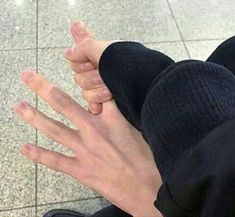 Image Couple, Photo Couple, Couple Hands, Gay Couple, Daddy Aesthetic, Couple Aesthetic, Korean Aesthetic, Aesthetic Pictures, Cute Relationship Goals