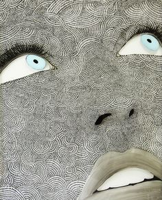 Mariette Bergh -Cette artiste de Johannesburg pratique le dessin et la peinture sur verre ou sur bois.