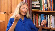 Helena Norberg-Hodge e l'economia della felicità Il cibo e' l'unica cosa necessaria per ogni persona sulla terra