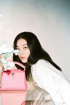 Red Velvet Joy, Red Velvet Seulgi, South Korean Girls, Korean Girl Groups, Seulgi Instagram, Dior Saddle Bag, Kang Seulgi, Kpop, Sooyoung