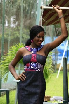 Robe Totem en denim et wax ~African fashion, Ankara, kitenge, African women… African Print Dresses, African Fashion Dresses, African Dress, African Prints, Ghanaian Fashion, African Attire, African Wear, African Women, Kitenge