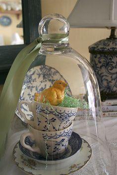 tea cups, birds nest & vintage Easter chick under glass cloche. Hoppy Easter, Easter Bunny, Easter Eggs, Easter Chick, Easter Food, Cloche Decor, The Bell Jar, Bell Jars, Diy Ostern