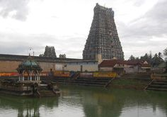 The temple tank with the gopuram of Mannargudi Rajagopala Swami Temple in the background in Mannargudi. Photo: M. Srinath