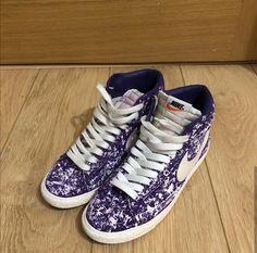 Custom Nike Blazer sneakers. Nike Blazer sneakers. Purple sneakers. Painted sneakers. Angelus paint. Custom DYI SNEAKERS. Custom Sneakers, Sneakers Nike, Painted Sneakers, Purple Sneakers, Dyi, Converse, Blazer, Photo And Video, Shoes