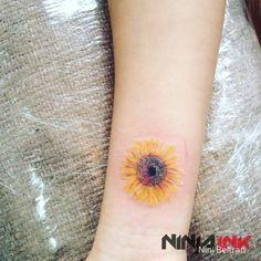 Resultado de imagen para acuarela girasol tattoo