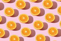 En internet hay demasiada información sobre este ingrediente, por eso nosotros te desvelamos qué hay de cierto en los cinco mitos más populares sobre la vitamina C. ¿Lista para la 'masterclass'? Vitamin C Oil, Best Vitamin C Serum, Vitamin C Benefits, Types Of Oranges, Basic Skin Care Routine, Light Gels, Antioxidant Serum, Skin Firming, Healthy Skin