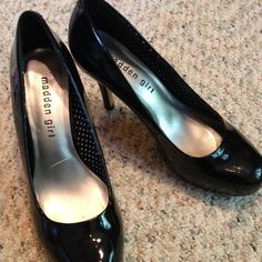 "REDUCED ✂️Madden Girl ""Getta"" Pump in Black Finish off your look with these great pater leather pumps. This platform pump adds simple sophistication to any outfit. Dress up with skirt and top or out with skinnies! Pump has 1"" hidden platform and heel is 3 1/2"". Very minor nicks to patent leather on bottom right. Size 7.5 Madden Girl Shoes"