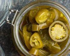 Recette de Pickles de piment Gravy, Dressings, Cucumber, Sauces, Dips, Food, Preserves, Canning Jars, Green Chilli