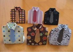 Father Day gift boxes for gift cards, dvds, small gifts that look like a shirt and tie Vinyl Crafts, Paper Crafts, Box Origami, Crafts For Kids, Arts And Crafts, Daddy Day, Fathers Day Crafts, Wraps, Small Gifts