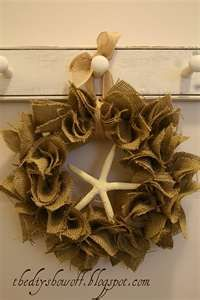 burlap wreath, try red for christmas