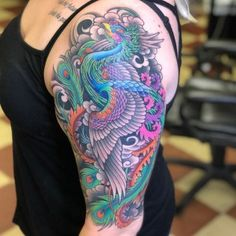 The tattooing world has very few favorites. Phoenix bird is one of them. Do you know where this interesting picture comes from? What is the symbolic significance of this awesome picture? Colors Of Fire, Red Words, Just Beauty, Bird Design, Meaningful Tattoos, Easy Drawings, Tattoo Artists, Creative Design