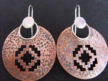 Aros Plata 950 y cobre texturado y envejecido, diseño calado (212)