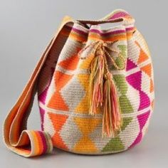 Wayuu  Çanta Modelleri 72 Tapestry Crochet Patterns, Knitting Patterns, Leather Bag Pattern, Boho Bags, Bucket Bag, Purses And Bags, Women, Clutches, Footwear