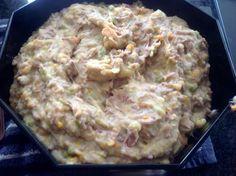 Hmmmm, mijn inmiddels meer dan 30 jaar geleden bedacht recept voor rundvleessalade (zonder teveel mayonaise) weer eens gemaakt. Grote favoriet van zoontje, mijn man was hier ook gek op. Een nachtje in de koelkast en morgen e Salad Recipes, Snack Recipes, Cooking Recipes, Snacks, Good Healthy Recipes, Great Recipes, Favorite Recipes, Mayonnaise, Dutch Recipes