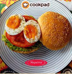 #Νόστιμο και #υγιεινό #σάντουιτς, ιδανικό για όλες τις ώρες! #συνταγές #πρωινό #χορτοφαγικό #recipes #vegetarian #sandwich #breakfast Brunch, Eggs, Breakfast, Recipes, Food, Breakfast Cafe, Egg, Rezepte, Essen