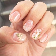 korean nail art Looking for simple and stylish nail ideas to light this summer? Then you are in the right place! We propose 18 simple but charming designs that you will want to try. Simple Nail Art Designs, Cute Nail Designs, Easy Nail Art, Simple Art, Korean Nail Art, Korean Nails, Cute Nails, Pretty Nails, Hair And Nails