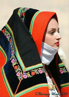 Sardinian Folk Costumes - Costumi Sardi