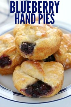 The Best Blueberry Hand Pies with Only 4 Ingredients! Easy to make and the perfe… The Best Blueberry Hand Pies with Only 4 Ingredients! Easy to make and the perfect size to pop in your mouth. You will love these cute little Blueberry Hand Pies Blueberry Hand Pies Recipe, Blueberry Desserts, Köstliche Desserts, Delicious Desserts, Small Desserts, Strudel, Plateau Charcuterie, Pie Recipes, Cooking Recipes