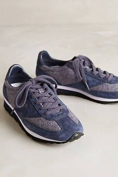 Sneakers with textures Brooks Vanguard Sneakers Balance Art, Womens Fashion Sneakers, Clothes Line, Slow Fashion, Platform Shoes, Me Too Shoes, Kicks, Shoes Sneakers, High Heels