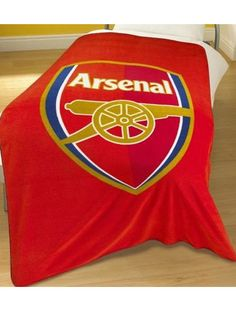 Official Arsenal FC Crest Fleece Blanket Features the club's iconic crest An ideal gift for any gunners fan