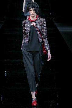 Emporio Armani Fall 2015 Ready-to-Wear Fashion Show Collection