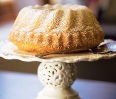 Om du tycker om att baka så är det här ett spännande och kul recept. Den här smarriga kakan består av ingredienser som ricotta, apelsin och kokos och smakar himmelskt!