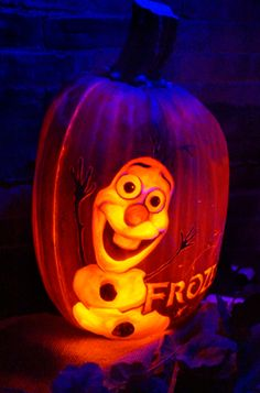 Best Pumpkin Carving Ideas – Trends and Events 2014 http://www.coolweirdo.com/best-pumpkin-carving-ideas-trendsevents2014.html