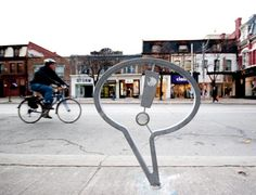 bike lock Bike Parking Rack, Bike Rack, Urban Furniture, Street Furniture, Furniture Market, Metal Furniture, Furniture Design, Bikes Direct, Bike Storage
